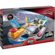 Trase Disney Cars - Micro Racer Fall Driver Mattel FPR05
